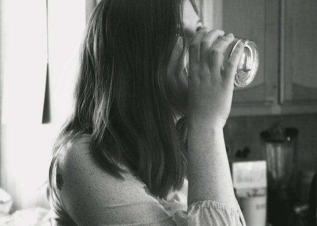 6 sneaky tekenen dat je te weinig drinkt